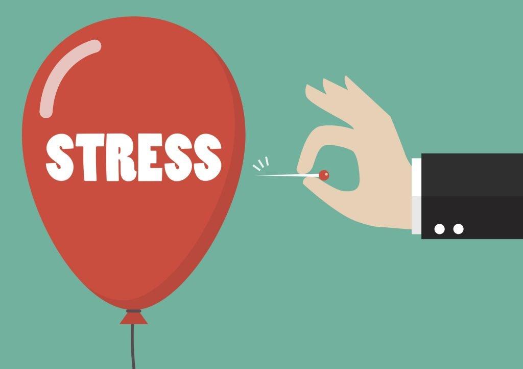 Un palloncino rosso rappresenta lo stress, che il bravo psicologo dissipa (forando metaforicamente il palloncino con un ago).